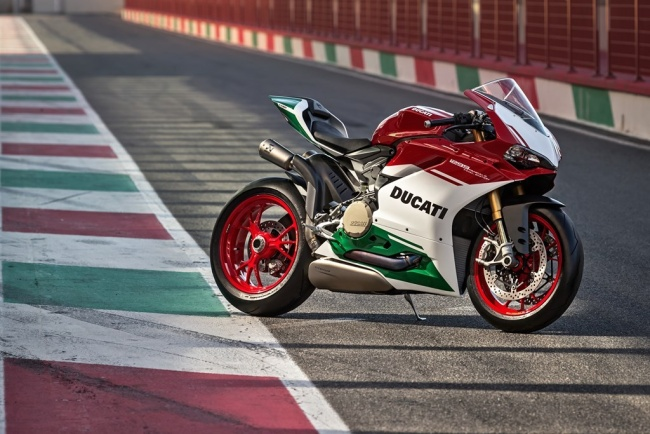 1-1299-panigale-r-final-edition-55.1561093504