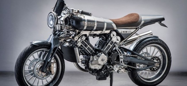 2016-brough-superior-SS100-modern-with-spirit-of-marque-1