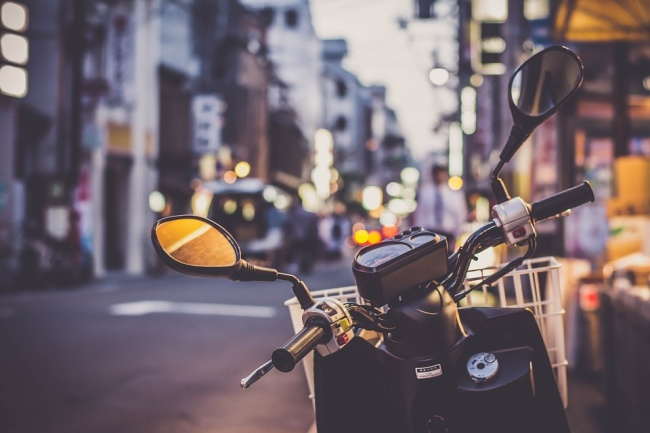scooter-2792992_960_720